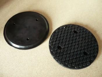 Auflageteller Gummiauflage Gummiteller für autop oder Stenhoj Hebebühne (158mm x 11mm, mit Stahleinlage + drei Löcher zum verschrauben)