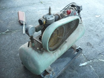 VEB DDR GDR Kompressor Verdichter Kolbenkompressor Druckluft 125 Liter