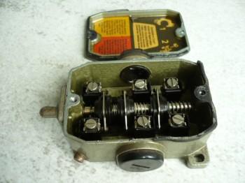 DDR Endschalter Schaltkontakt Kontaktsystem Positionsschalter Grenztaster GWÜE 1