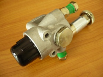 Orsta Handförderpumpe Kraftstoffhandpumpe Einspritzpumpe Takraf Gabelstapler VTA DFG 3202 / DFG 6302