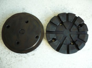 lift pad, rubber pad, rubber plate for Nussbaum lift (121mm x 18mm, with steel insert)