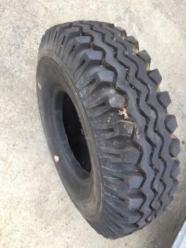 Rad Reifen Staplerreifen Takraf Gabelstapler VTA DFG (1002 Antrieb vorne) (2002 /3N hintere Reifen)