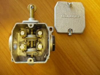 Endschalter Schaltkontakt Grenztaster Bernstein Robotron GWA 2 R VEB DDR Takraf