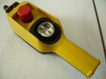 Telemecanique XAC-D22A0105 Hängetaster Steuerflasche Handsteuerung Kransteuerung