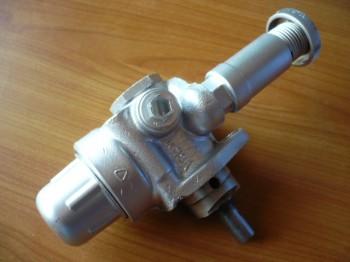 Orsta AFV Handförderpumpe Kraftstoffhandpumpe Einspritzpumpe Takraf VTA DFG 1002