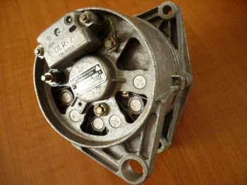 Lichtmaschine VEB Traktor ZT Fortschritt IFA W50 L60 NVA DDR 28V 30A VEM 8043.42