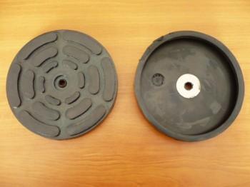 Auflageteller Gummiteller für Zippo Hebebühne (127mm x 22mm mit eingesetzter Stahleinlage + 1 Bohrung)