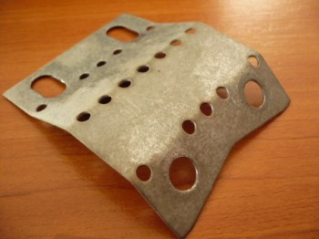 deformation of sheet metal for lifting nut Zippo lift Type 1401 1411 2-4 tons (Wear plate between lifting nut and safety nut nut)