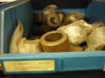 untere Laufrolle mit Buchse und Scheiben für Romeico Atlantic Hebebühne 64mm